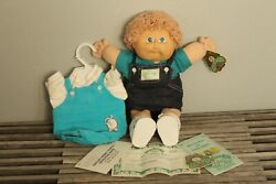 Vintage Cabbage Patch Doll Xhavier Roberts Signed W/ Papaer Work 1982