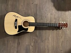 Willie Nelson Signed / Autographed 38 Inch Acoustic Guitar Psa/dna Co