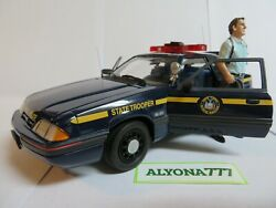 Gmp 1/18 Ford Mustang Police 1988 New York State Diecast Car Model With Figurine