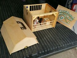 1990s Dakin's Travel Show Ranch 14x11x15 Wood Stable Toy Horse Carrier Barn Box