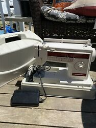 Singer Dressmaker Model 300z Sewing Machine And Free-arm With Foot Pedal Htf