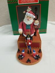 New/no Box 1994 Santa Marionette Musical Wind Up House Of Lloyd Puppet Soldier