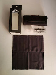 Oakley Lens Cleaning Kit Accessories Cloth Cleaner NIB $16.99