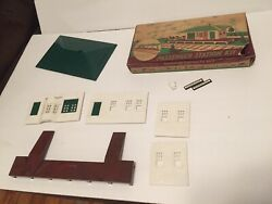 Plasticville - O Scale  Passenger Station With Box