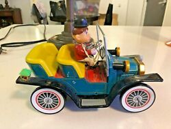 1950and039s T.n. Made In Japan Nomura Tin Toy Mystery Car J1901 Battery Working