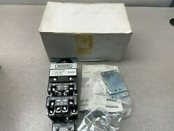 New In Box Agastat 120v. Timer 2-20 Sec. Timing Relay E7014acl004