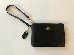 COACH PEBBLED LEATHER WRISTLET WALLET POUCH CLUTCH BLACK 6.25 in X 4.25 in $17.99