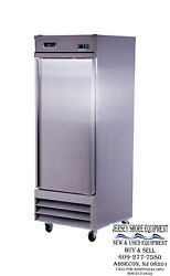 Spartan Stf -23 One Solid Door Reach In Freezer W/casters