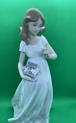 Lladro Girl With Flower In Hand, Treasures Of The Earth Collection, 6921