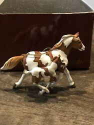 Nib - Trail Of The Painted Ponies Ornament - Paint Mare And Foal- 4040987