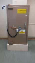 Heavy Duty Safe Freestanding - Ministry Type Approx. Weight 1.3 Tonne