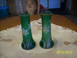 Daffodil Hand Painted Set Of 2 Matching Green Glass Tall Vintage Floral Vases