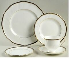 Wedgwood Royal Lapis China - 8 Dinner Sets And 2 Serving Items - Newandnbsp
