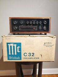 Mcintosh C32 Preamplifier And Box
