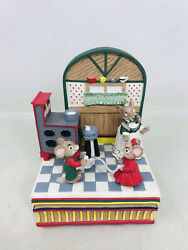 Vtg House Of Lloyd 1997 Animated Music Box Plays Candy Man Mice Cooking Mouse