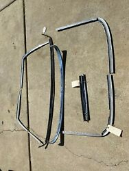 Mercedes Hard Top Mouldings  And Trimm 230sl, 250sl, 280sl 113 Pagoda