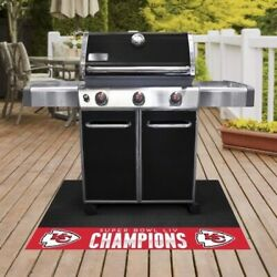 Fanmats 27180 Kansas City Chiefs Super Bowl Champions Grill Mat 26in. X 42in.