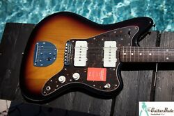 2018 Fender Japan Traditional 60and039s Jazzmaster - Three Tone Sunburst - Mint
