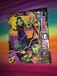 Monster High Doll----casta Fierce Witch Singer New In Box