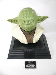 Star Wars Yoda Life-size Limited Erition Bust Attack Of The Clones 11.8 30cm