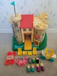 Vintage Fisher Price Little People Play Family Castle With 18 Pieces 993