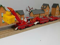 TOMY TRACKMASTER THOMAS amp; FRIENDS quot; GORDON quot; MOTORIZED WORKING 2013 FREE S H