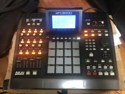 Akai Mpc 5000 In Amazing Conditions With Gator Case Internal Hd Os 2.0