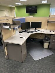 Cubicle/partition System By Herman Miller A03 6ft X 6ft X 53h