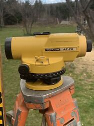 Surveyors Topcon At-f6 Auto Level Transit W/ Pentax Tripod And 4 Sect. Post