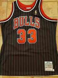 Nba Xl 48 Mitchell And Ness Bulls 33 Scottie Pippen Authentic Jersey 96-97