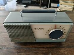 Vintage Sony Transistor 7 Radio - Tr-712 - Working Condition Sounds Great