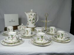 Wedgwood Wild Strawberry  Complete Coffee Set With 2 Tier Cake/biscuit Stand