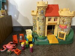 Vintage Fisher Price Little People Play Family Castle With Pink Dragon 993