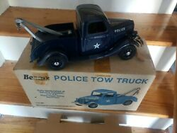 Vintage Jim Beam 1935 Police Tow Truck/wrecker Decanter Never Used Nice Mint.