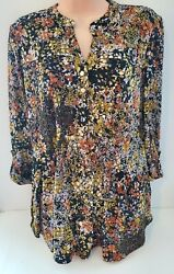 New Cocomo Beautiful Floral Multicolor Pin-tuck Pleated 3/4 Sleeves Blouse
