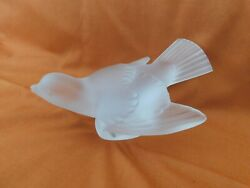 Signed Lalique Paris Bird Sparrow Figurine Wings Out Head Up Frosted Crystal