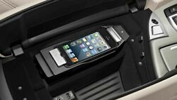 Oem Genuine Bmw Apple Iphone 5 Connect In-car Snap In Adapter Cradle Dock Great
