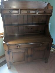 Vtg Drexel Heritage American Traditional Pine Buffet And China Hutch No. 411-4