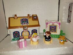 2008 Fisher Price Little People On The Go Wedding Cottage Set Complete