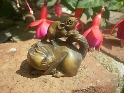 Hand Carved Wood Netsuke Cat With Mouse On Back Collectable Boxwood Figure ...3