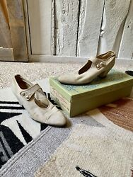 Vintage 50s Ivory Canvas Nurse Uniform Heel Shoes By Red Cross Shoes Size 7.5