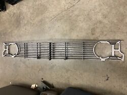 Gm Oldsmobile 583523-a1 583522-a1 1962 Ninety Eight Starfire Grille W/trim Rings
