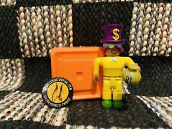 Roblox Series 8 Golden Millionaire Figure With Golden Horns Of Pwnage Code