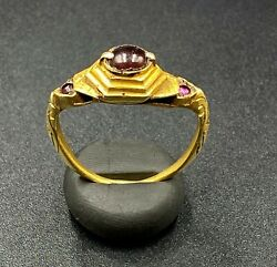 Ancient South East Asian Burmese Antiquities Gold Jewelry Ring Garnet Gems Stone