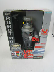 Nib 1998 Trendmasters Robot B-9 Lost In Space Light Up Sound Shipping Included
