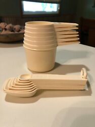 Vintage Tupperware Butternut Almond Measuring Spoons And Cups Complete Ec Shiny