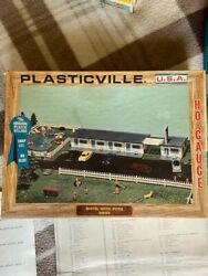 Plasticville, Usa Bachmann Bros., Ho Scale, Motel With Pool Model 2903