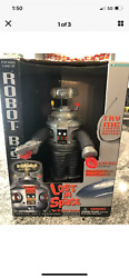 Vintage 1997 Lost In Space B9 Robot Trendmasters Rare Silver Gun With Orig. Box