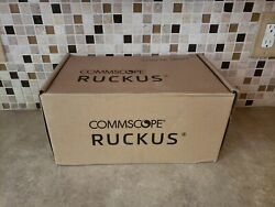 Commscope Ruckus T750se Very High Performance Wi-fi Outdoor Access Point/ Uln3-2