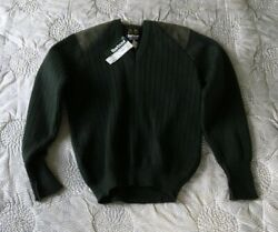 New Barbour D661 Discontinued Pure Wool Rib V-neck Sweater Made In England